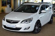 Opel Astra J Sports Tourer Innovation XENON / NAVI