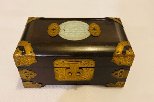Vintage Japanese Chinese Asian Musical Jewlery Box Wooden Classic Style - $21.00