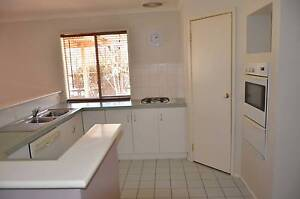 4Beds house plus 2beds granny flat to be rented togather Sydenham Brimbank Area Preview