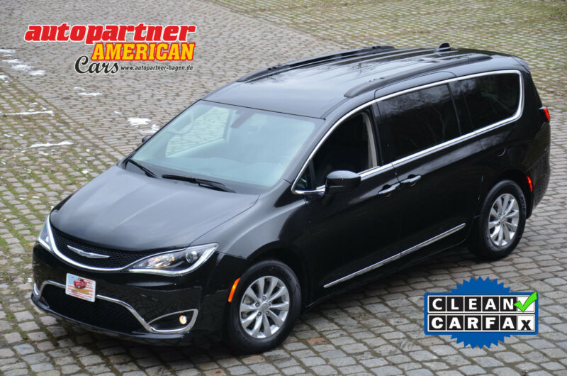 Chrysler Pacifica Touring L, 3.6l V6, Leder, DVD, CARFAX