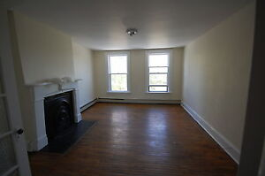 444RENT-2 Bedroom Close to DAL! On Spring Garden Rd! Avail SEPT!