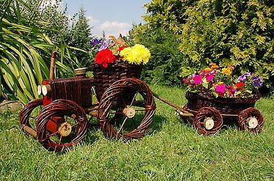 Traktor mit Hänger aus Korbgeflecht, Rattan, Körbe, Pflanzkorb, Pflanzkasten