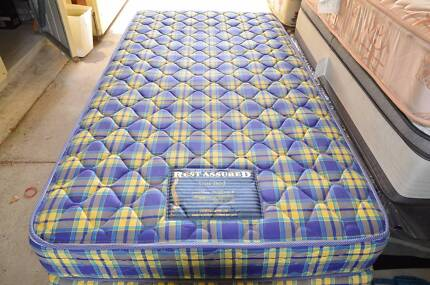 AS NEW king single mattress and base (Can Deliver)