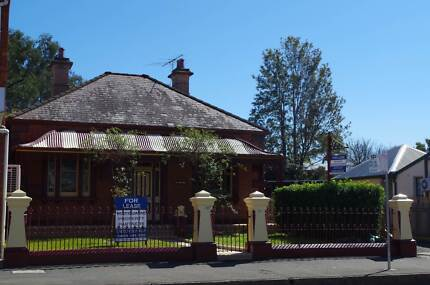 FOR LEASE BUSY MAIN STREET WINDSOR Windsor Hawkesbury Area Preview