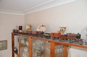 "Hornby ""O"" gauge clockwork model TRAINS –  ""whole wooden box"" Mansfield Brisbane South East Preview"