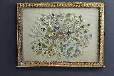 HAARBILD, Biedermeier, kunstvolle Komposition, aus Stickerei,  Echthaar + Perlen