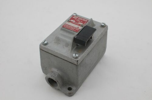 Crouse Hinds EFS 2596 Auxiliary Device
