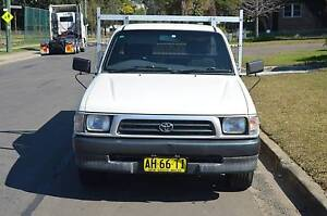 2001 Toyota Hilux Ute 2.7LTR,MANUAL,AIR,STEER,REGO,EXCELLENT COND Mays Hill Parramatta Area Preview