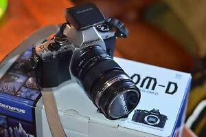 Olympus OMD EM5 with 12-50mm Weatherproof Lens kit + camera bag Unley Unley Area Preview