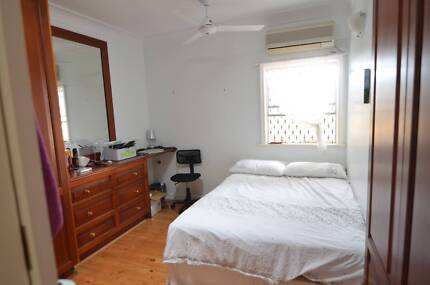 $165 Single Room 20 Minutes to City & 10 Minutes to Kelvin Grove