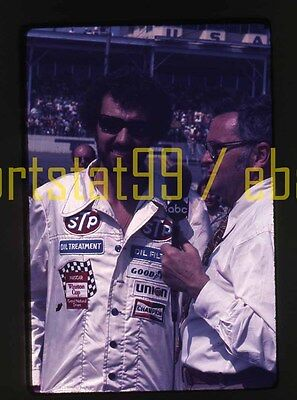 1976 Richard Petty #43 - TV Interview NASCAR Daytona 500 - Vtg 35mm Race Slide 43-tv
