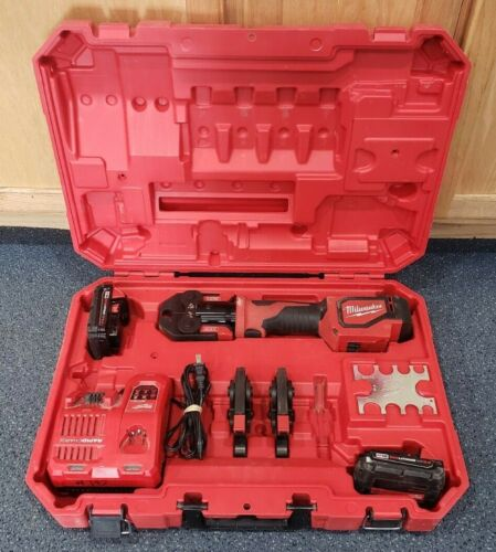 Milwaukee 2674-22C M18 Short Throw Press Tool Kit with PEX Crimp Jaws Pre-owned