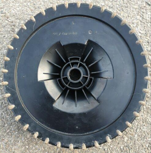Gardena Elektro-Spindelmäher 380EC 400W Schnittbreite 38cm (1XReife) Zahn Rad