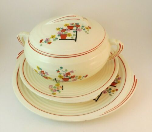 Edwin Knowles Yorktown Penthouse Chop Plate,  Plate, and Covered Casserole