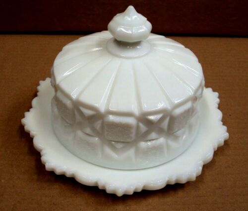 Vtg WESTMORELAND GLASS ~ Round OLD QUILT Butter Dish ~ WHITE MILK GLASS