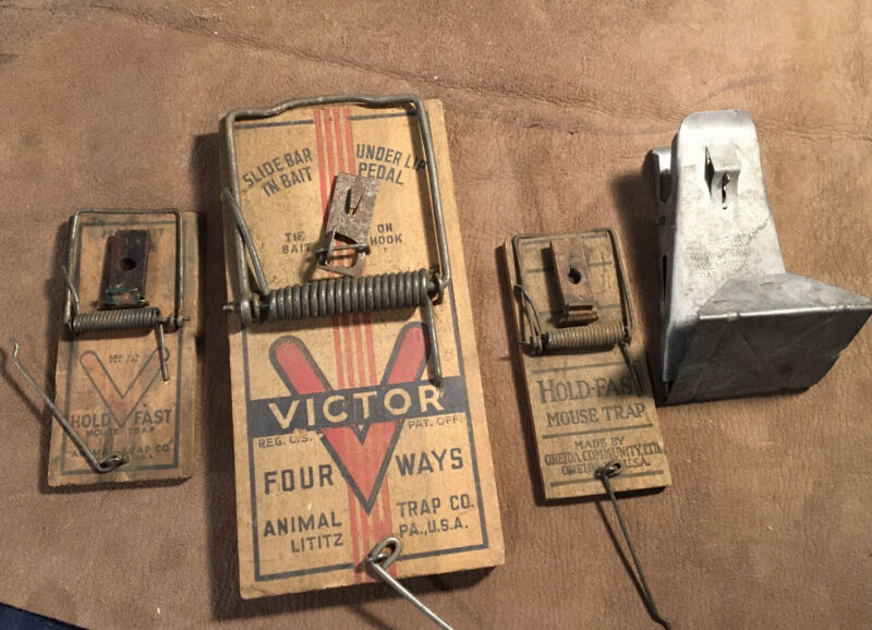 Vintage Lot (3) Mouse Traps + (1) Rat Trap  VICTOR * HOLD-FAST * KLEMME