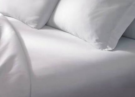 Pure cotton Queen size white set: 2 sheets and 2 pillowcases