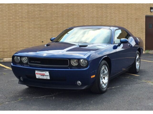 Image 1 of Dodge: Challenger SE…