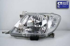 Passenger Side LH OEM Headlight for TOYOTA HILUX******2010 SR5 Wetherill Park Fairfield Area Preview