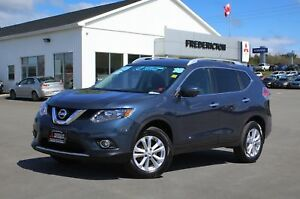 2016 Nissan Rogue SV REDUCED | AWD | TECH PKG | SUNROOF | NAV