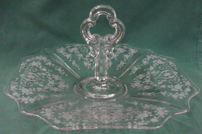 "Cambridge Glass DIANE-CLEAR (# 3122) 10-3/8"" TRAY-CENTER HANDLED 3400/10"
