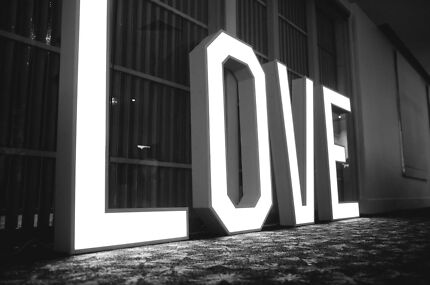 Giant Light Up LOVE Sign Letters For Hire