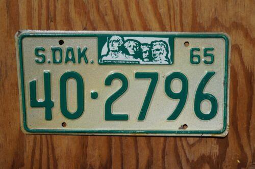 1965 South Dakota MT RUSHMORE License Plate # 40 - 2796