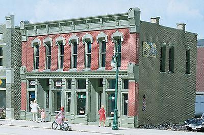 - DPM (HO Scale) 100 Series Kits #12000 -- Front Street Building - NIB