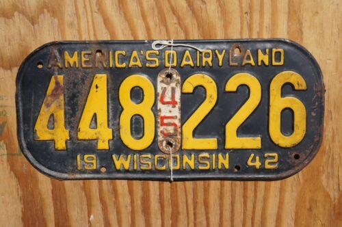 1942 - 1945 Wisconsin Passenger License Plate