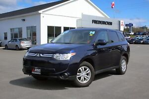 2014 Mitsubishi Outlander ES 4X4 | HEATED SEATS | WARRANTY TO...