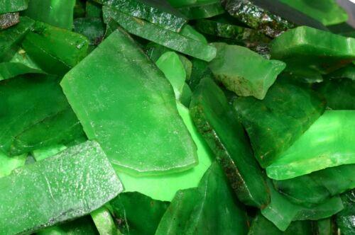 Festive Discount Colombian Emerald 3000 Carat Gemstone Slab Rough Lot Natural