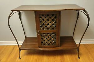 Furniture: Cabinet/ Credenza/ Console Table/ Hutch/ Unit