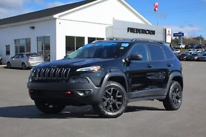 2018 Jeep Cherokee Trailhawk 4X4 | SAVE $11,852 VS. NEW | HEA...