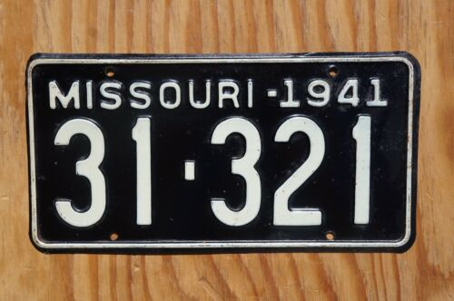 1941 Missouri Passenger License Plate # 31 - 321