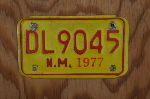 1977 New Mexico MOTORCYCLE DEALER License Plate # DL 9045