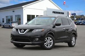 2016 Nissan Rogue SV AWD | HEATED SEATS | BACK UP CAM