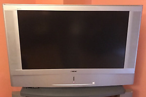 """SONY GRAND WEGA 50"""" - with Remote, Stand & DVD Player"""