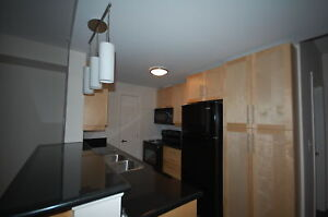 Beautiful  2 Bedroom +Den, 1 Bath , Tower Apart. ! Avail May