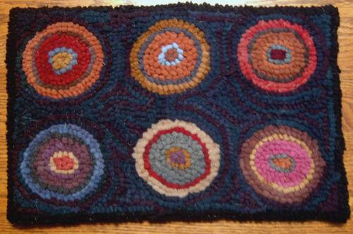 SIX PRIMITIVE PENNIES  Primitive Rug Hooking Kit with cut wool strips