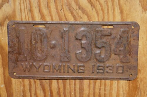 1930 Wyoming Passenger License Plate