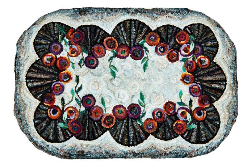 "Rug Hooking Pattern ""DOILEY ORIGINAL"" on natural linen"