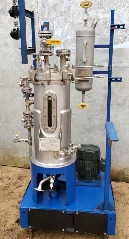 NEW BioEngineering 50 Liter Reactor BioReactor Fermentor 3 HP Bottom Mixer  NICE