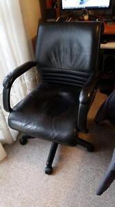 Leather gas lift tilt office chair on castors Labrador Gold Coast City Preview