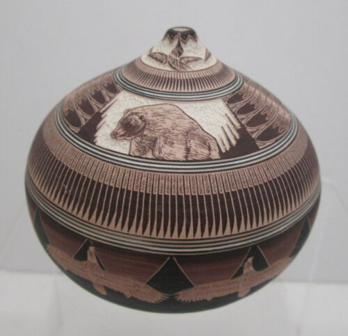NAVAJO WALLACE NEZ EXQUISITE MINIATURE POTTERY SEED POT INCISED and PAINTED