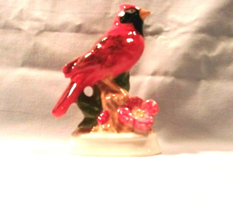 Bird J*256 93RC Ceramic Red CARDINAL w/ Snow Base Pie Bird