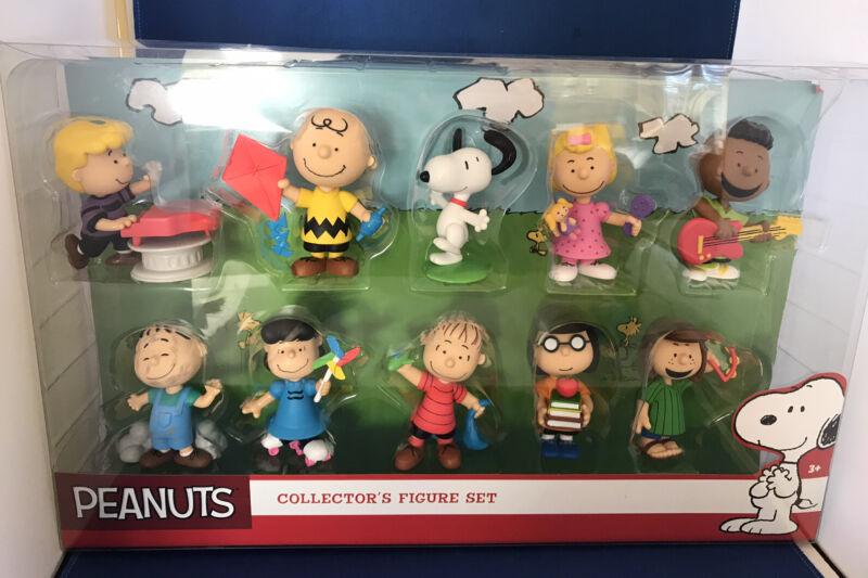 2015 Peanuts 10 figure Collector