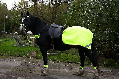 HI VIZ YELLOW FLUORESCENT HORSE QUARTER RUG - FLEECE OR COTTON LINED (Yellow Quarter Horse)