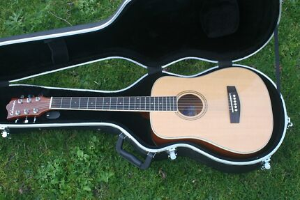 Colman 3/4 Acoustic guitar model KM1NA in excellent condition. Blackburn Whitehorse Area Preview