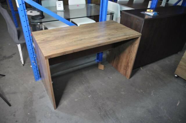 Sleek Contemporary Work Desk In Oak Colour Used Desks