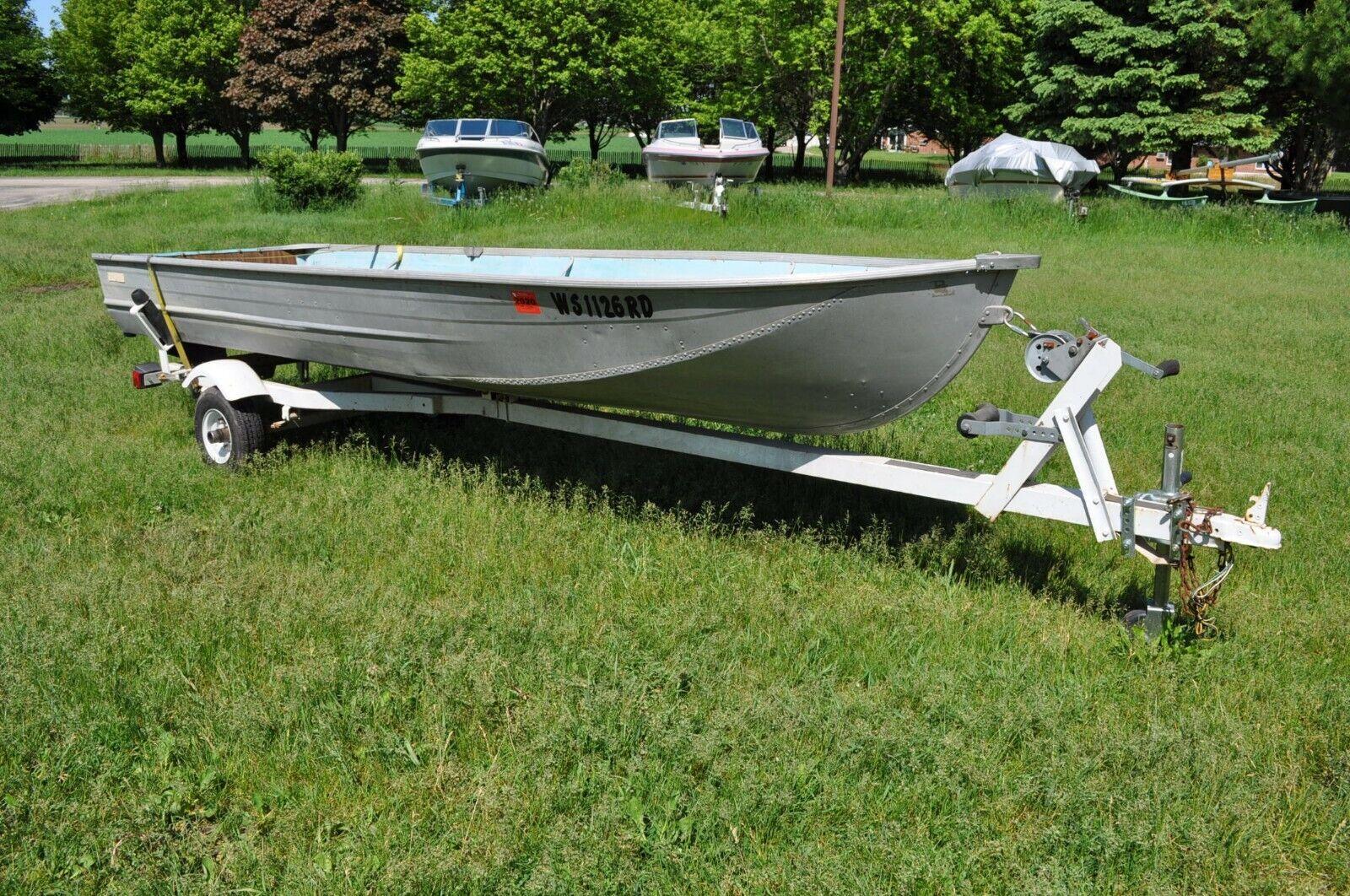 1975 Montgomery Ward Sea King aluminum boat 14' with trailer fishing